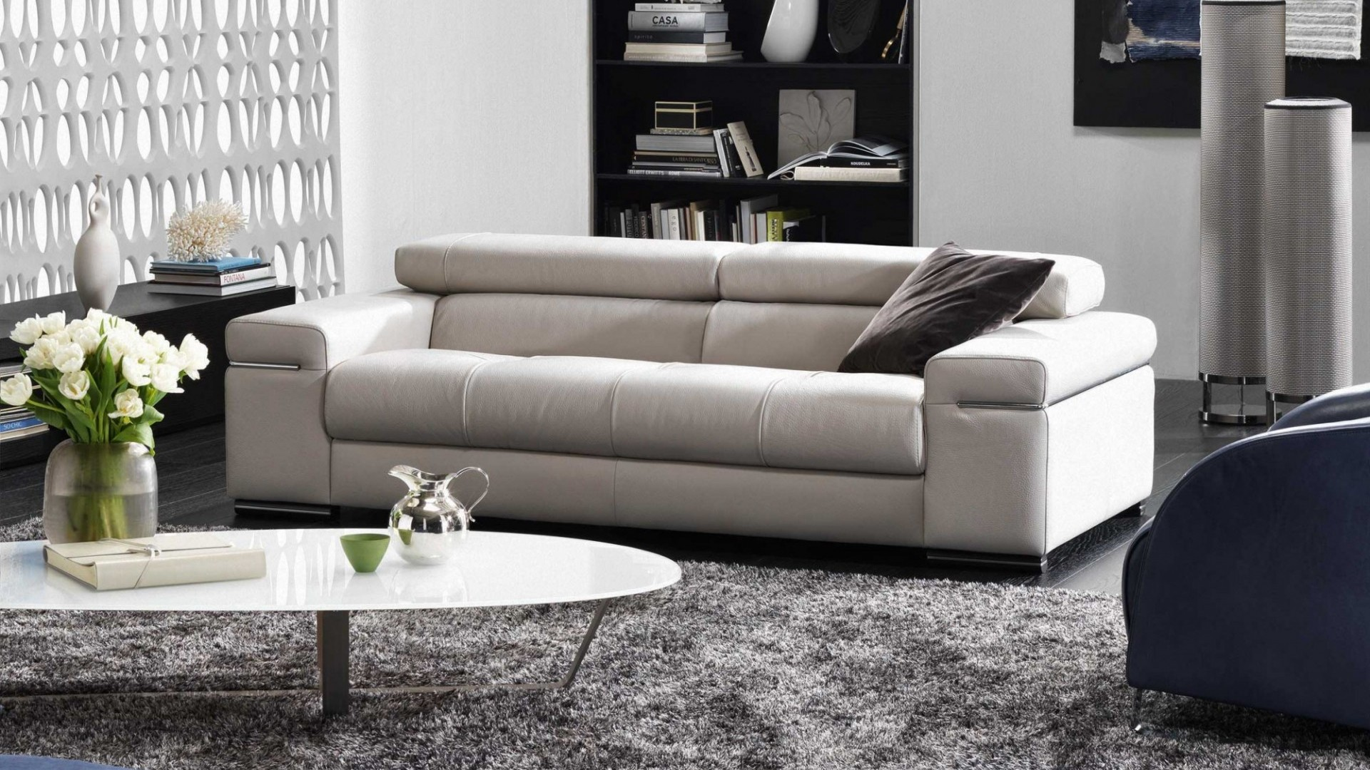 Leather sofa – Avana