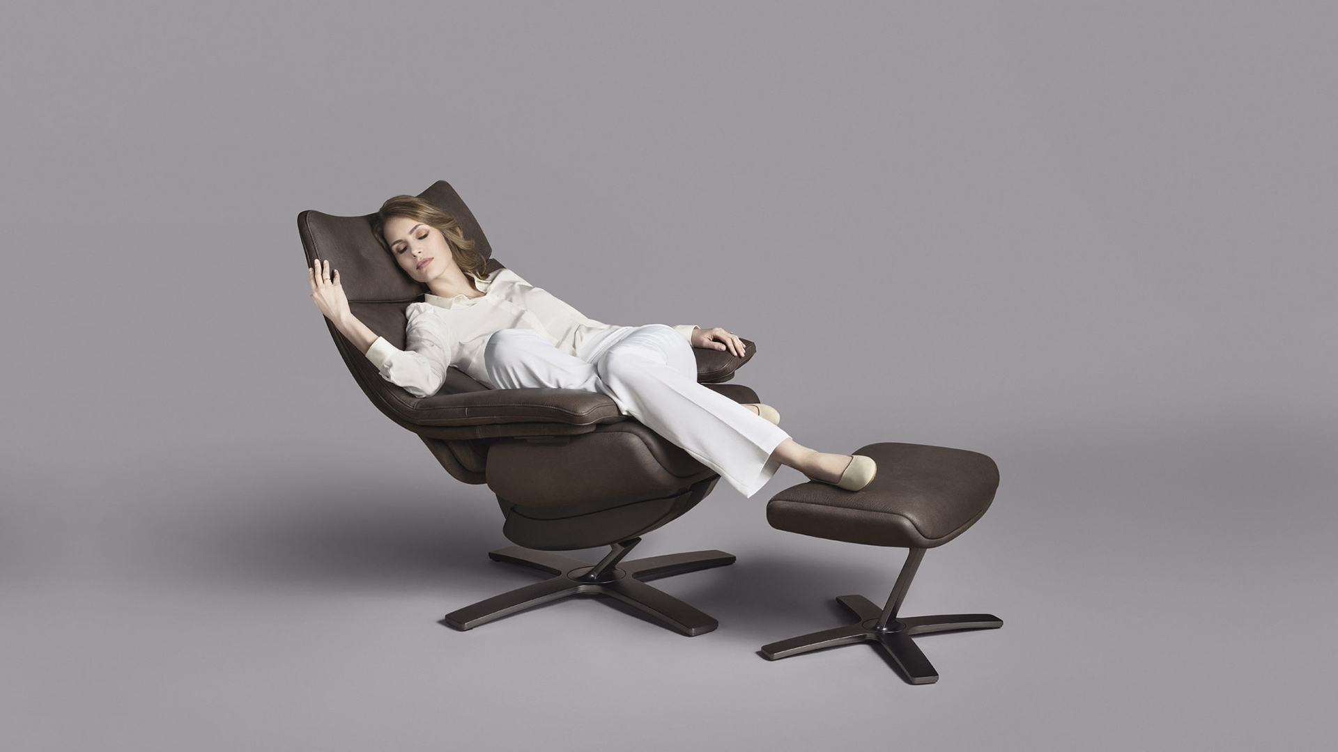 Wing back re vive natuzzi for Boys lounge chair
